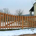 Portail en bois exotique, Mas Saint Chély