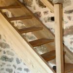 Escalier en chataigner, St Jean du Bruel